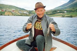 Kjell Marthinsen, f.1918, på fisketur-ferie i Jølster.