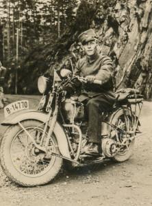 Kjell Marthinsen, militærtjeneste på Hvalsmoen 1939.