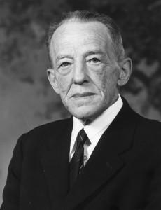 Anker Martinsen (Delås), 1903-1988, ligningssjef i Horten.