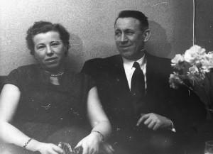 Hjørdis Martinsen, Horten og ektemann Kåre Johansen. De bodde i Tønsberg. (Utlånt av Oddveig Lehne).