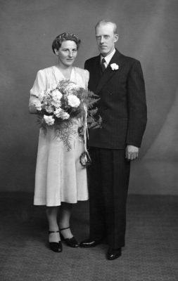 Signe Karlsen gifter seg med Anker Edvardsen.