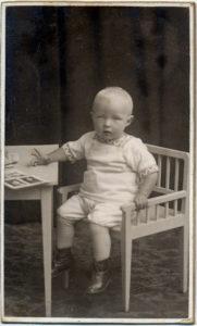 Jens Larsen som liten gutt.